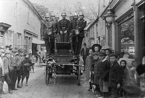 1905 The Fire Brigade in Church Street - from WW archive