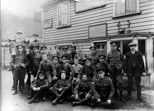 1914 Leicester Soldiers in front of William IV pub